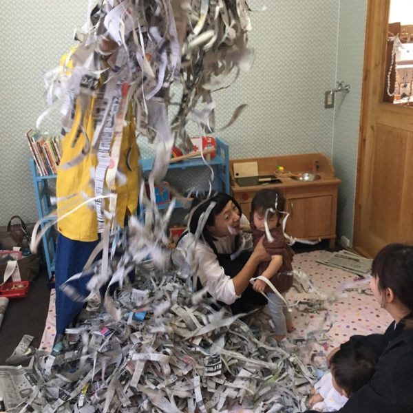 「xingのおやこあそび – 新聞遊び」「haru sora3月のおはなし会」のお知らせです。