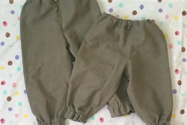 tikutiku405さんから新作。「ゴムを抜いてストレートパンツとしても着られる裾フリルパンツ」「綿100%で肌触りの良い水筒ひもカバー」が届きました