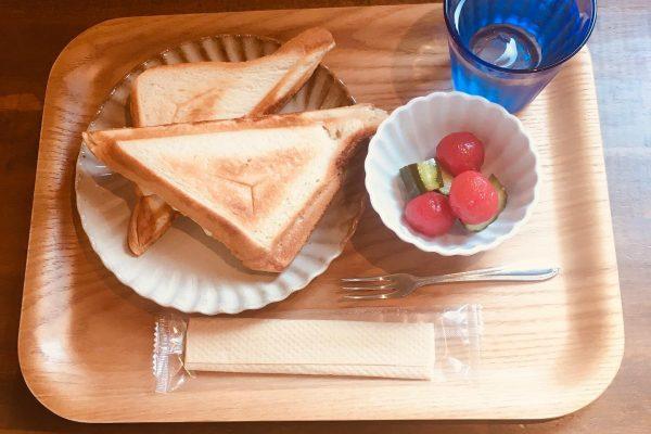 ホットサンドと季節のお野菜小鉢のご紹介✨