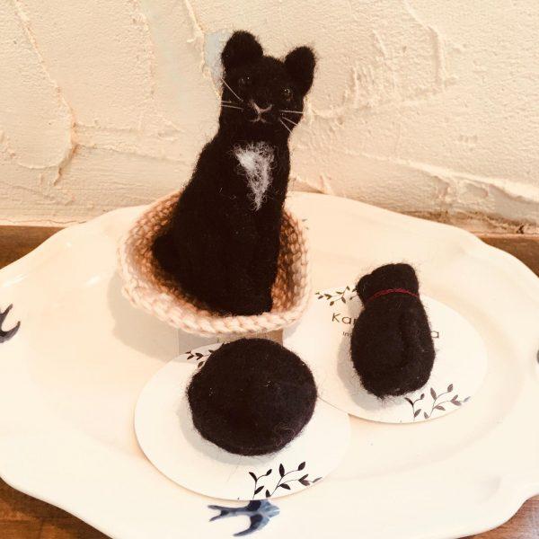 羊毛フェルトの猫の親子、入荷しました✨